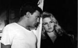 Jean-Luis Trintingnant a Brigitte Bardot ve filmu A Bůh stvořil ženu